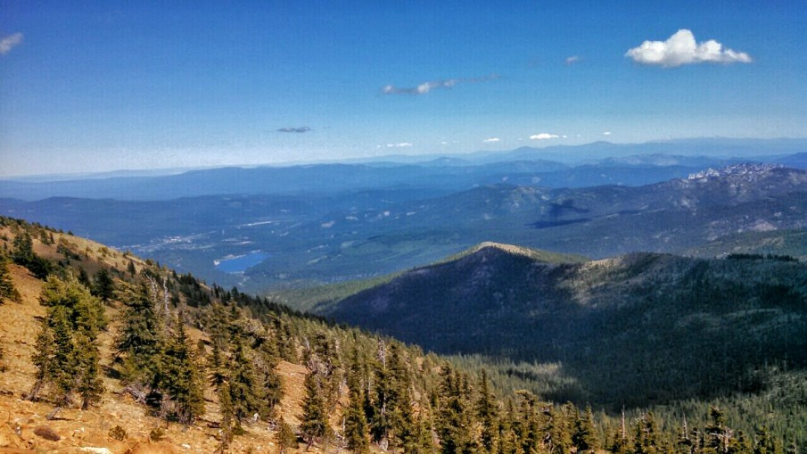 You can see Lake Siskiyou, my starting point, in the distance. THIS IS WHERE I LIVE!!!