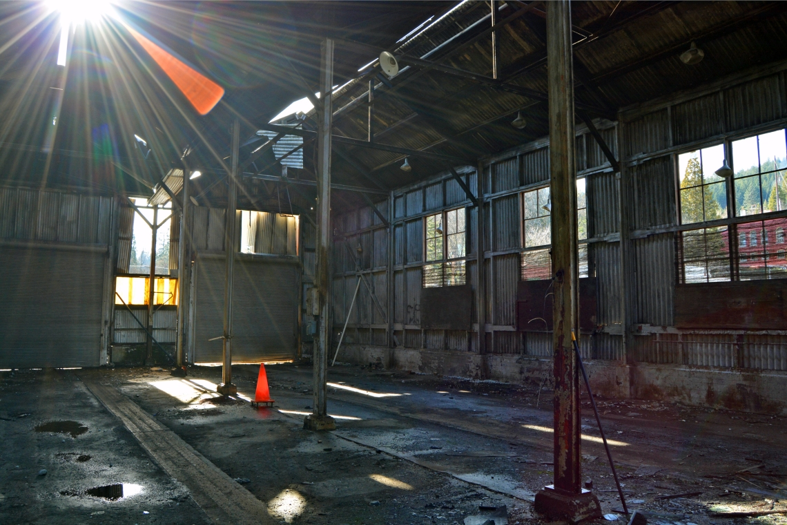 Dunsmuir Engine House interior rays