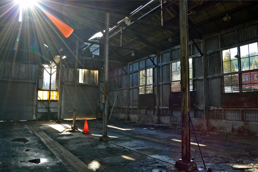 Dunsmuir Engine House interior rays
